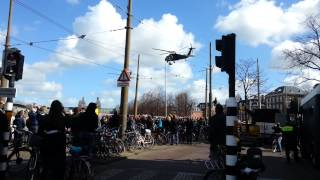 pres. Obama arriving in amsterdam by helicopter