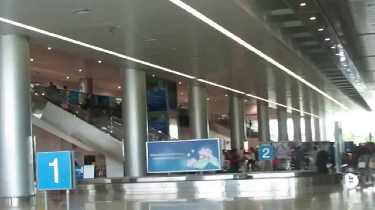 2012年越南胡志明機場 - YouTube