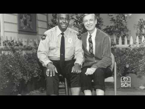 Mr Rogers And Officer Clemmons Of Mr Rogers Neighborhood Sch Stories Youtube