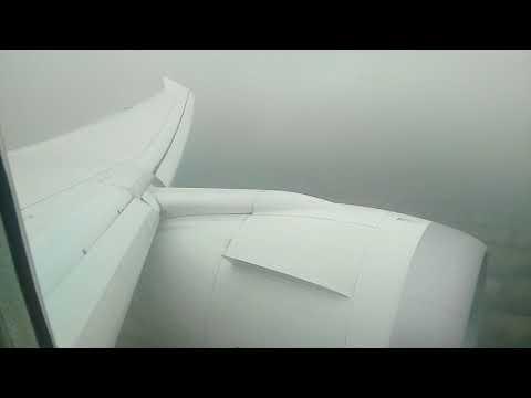 Norwegian Airlines Boeing 787 Dreamliner Landing in London Gatwick