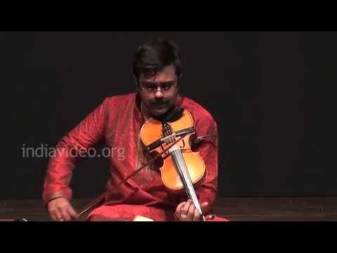 Violin performance by A. Jayadevan on Kurai Ondrum Ellai
