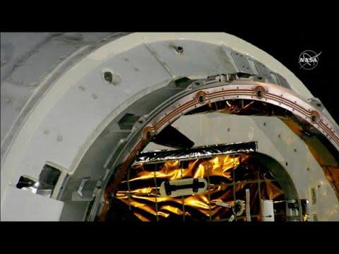 شاهد: مركبة الفضاء دراغون تنقل هدايا عيد الميلاد إلى محطة الفضاء الدولية…  - 15:55-2018 / 12 / 9