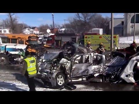 Метель в Канаде столкнула 200 машин в пригороде Монреаля