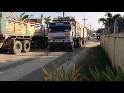 รถบรรทุกดินเยอะมาก ซอยมาบโป่ง13 อ.พานทอง จ.ชลบุรี