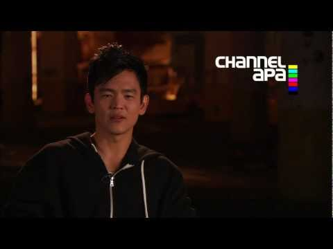 John Cho (Harold)  interview on A Very Harold & Kumar 3D Christmas