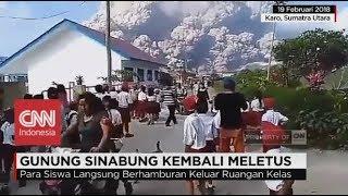 Mengerikan! Siswa SD Berlarian Panik Melihat Letusan Gunung Si…