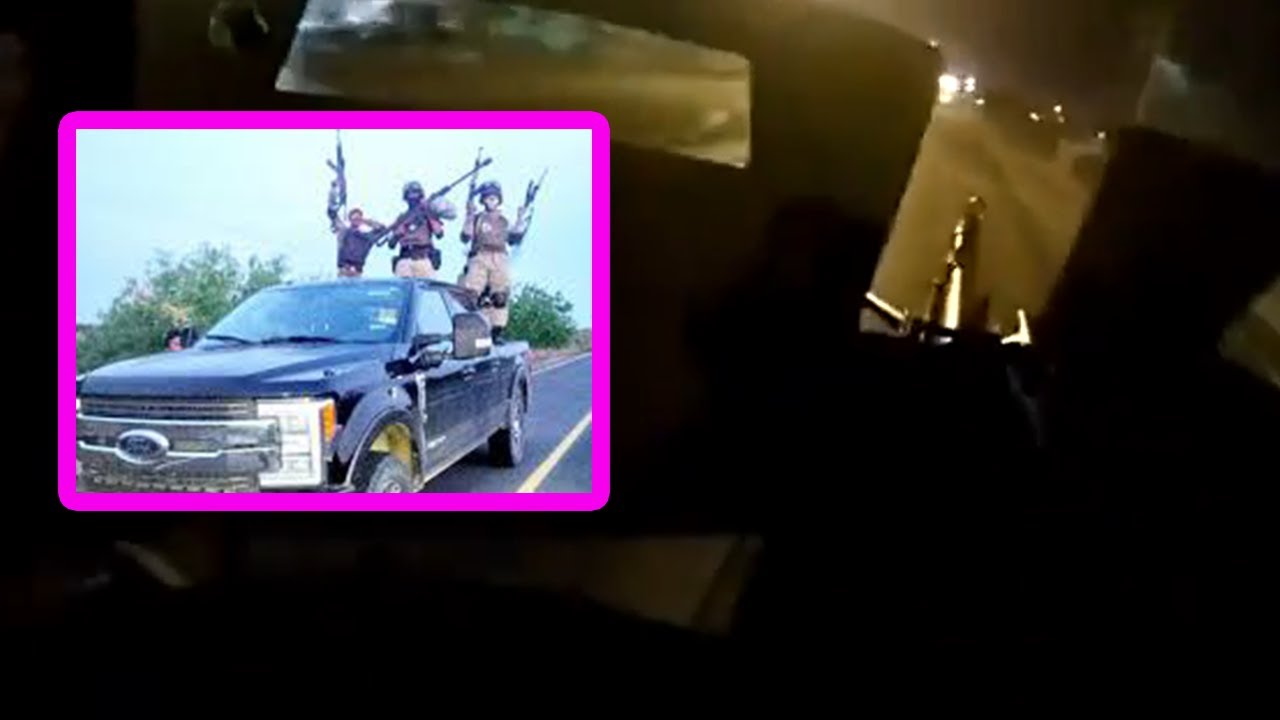 INSANE rolling machine gun battle between Mexican cops and cartel sicarios