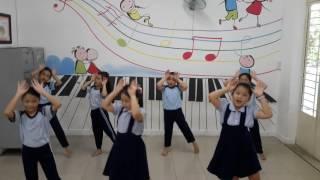 Cùng múa hát dưới trăng - Động tác minh họa
