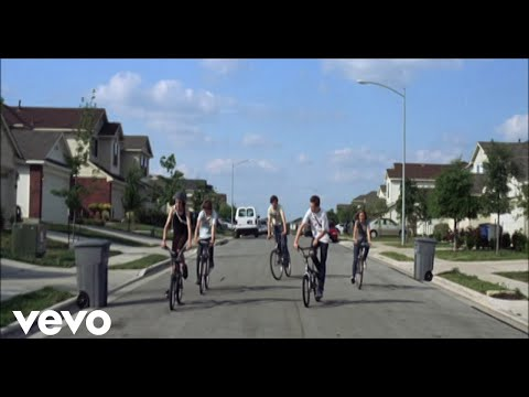 Arcade Fire - The Suburbs (Official Video)