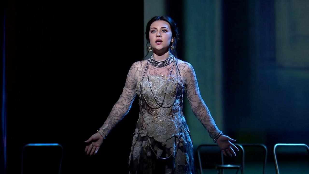 Download La traviata: 'Sempre Libera' ('Free forever') - Glyndebourne