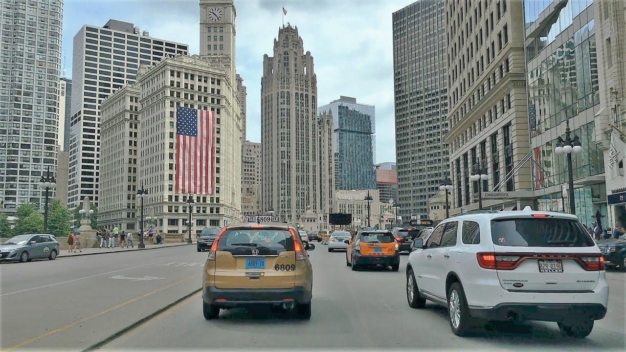 Driving Downtown - Chicago Riverfront 4K - USA