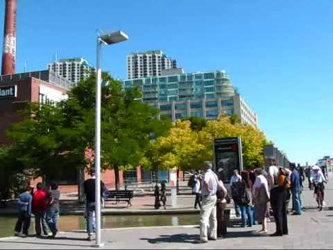 Toronto Travel: Fall in Toronto  The Distillery District &