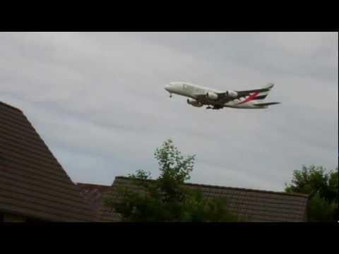 Knooppunt Schiphol /Junction Amsterdam Airport-12 : Emirates Airbus A380 Landing / Augustus 17 2012