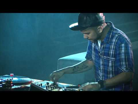 DJ CRAZE | DJ KLEVER | Traktor Scratch Pro 2 | 5th & Ocean Cut |