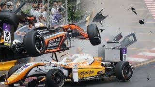 """شاهد.. تصادم مروع لمتسابقة ألمانية في سباق """"فورمولا 3"""".. طارت بسيارتها فوق الحواجز"""