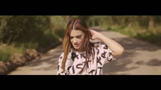 Repeat youtube video Betty Blue - Intr-o secunda [official music video] 2014