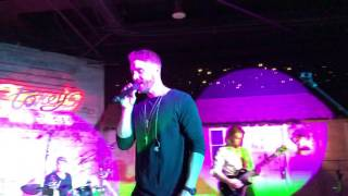 Brett Young- Sleep Without You- Live in Las Vegas