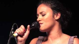 Mayra Andrade - Mon carrousel - Live à Bruxelles (6/8)