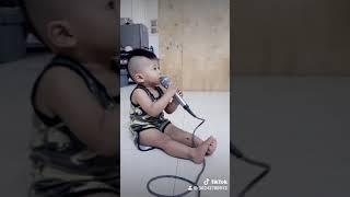 Chàng trai yêu âm nhạc 😄
