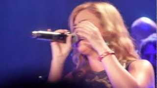 Kelly Clarkson - Dark Side - live Manchester 12 october 2012 - HD