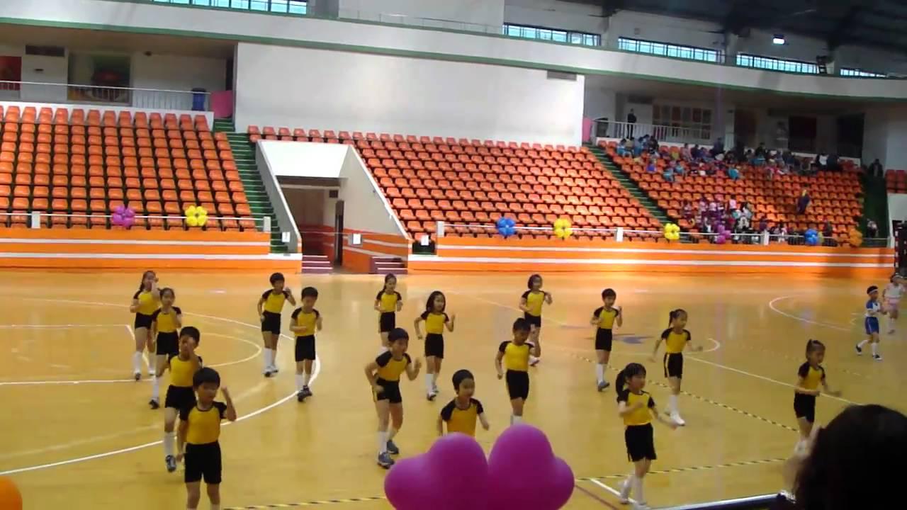 2011新北市復興國小二年二班健康操比賽第一名實況 - YouTube