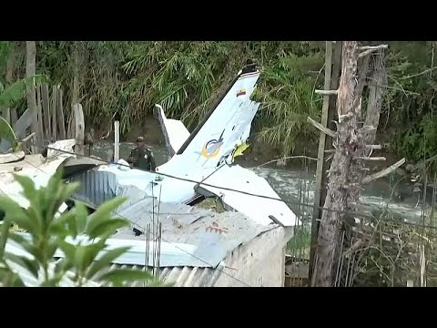فيديو: 7 قتلى و3 جرحى في تحطم طائرة صغيرة بكولومبيا  - نشر قبل 5 ساعة