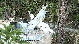 فيديو: 7 قتلى و3 جرحى في تحطم طائرة صغيرة بكولومبيا