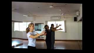 Appy Birthday (Kismet Love Paisa Dilli) Beginner Bollywood Choreography at Dancend