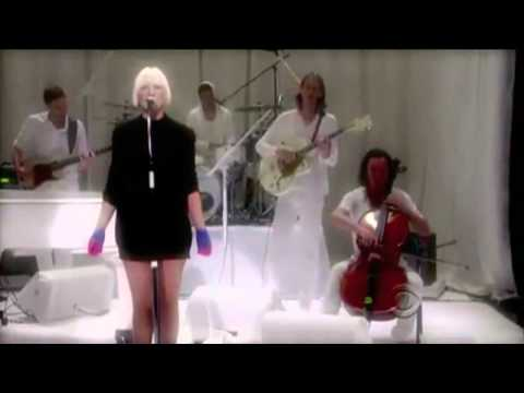Sia - Soon We'll Be Found_Live HD (with lyrics)
