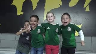 Niños del festejo en el Mexico vs Costa Rica - Multimedios
