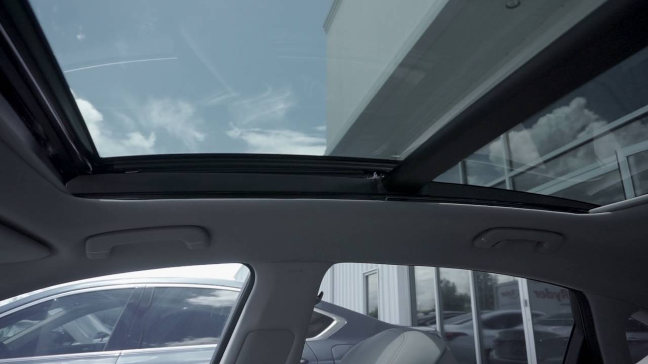 2017 Hyundai Santa Fe >> how to use the panoramic sunroof on the 2016 Hyundai ...
