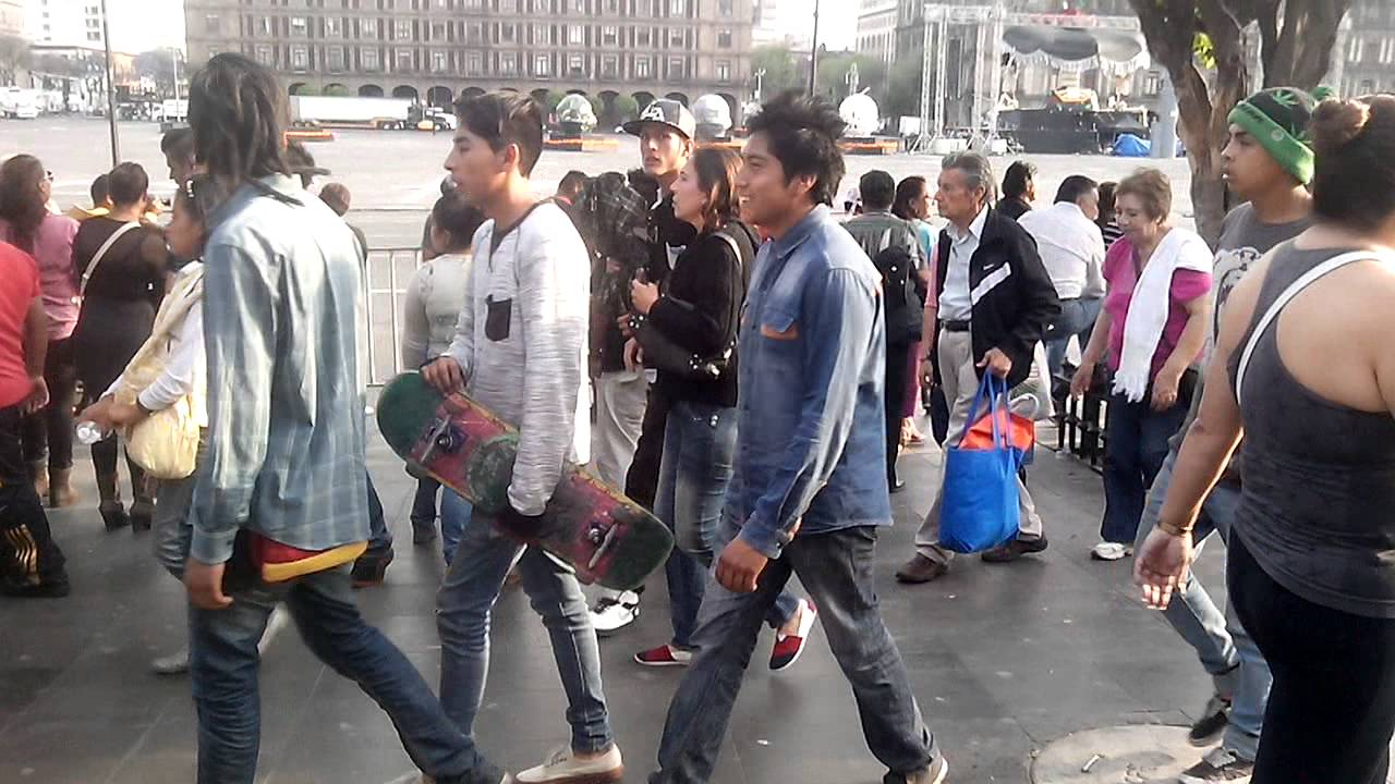 15 PSD Crowd Of People Walking Images - Crowd of People ...  |Person Walking City