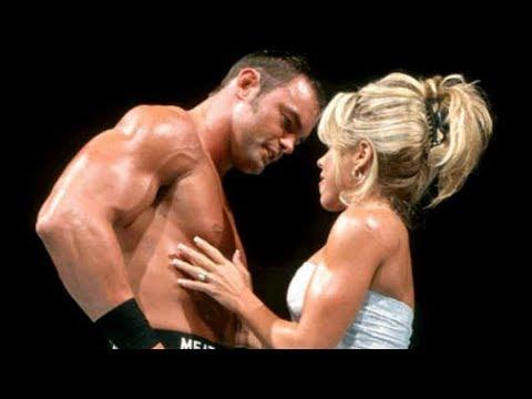 10 WWE Attitude Era Gimmicks That Didn\'t Get Over