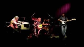Brian Auger Trinity - Listen Here / Ellis Island
