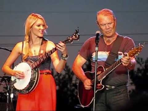Glen Campbell Dueling Banjos, Wichita Lineman, and Rhinestone Cowboy July 27 2012