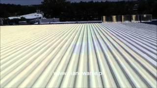 Pianowanie na zewnatrz budynków - dach z blachy falistej hali fabrycznej 2