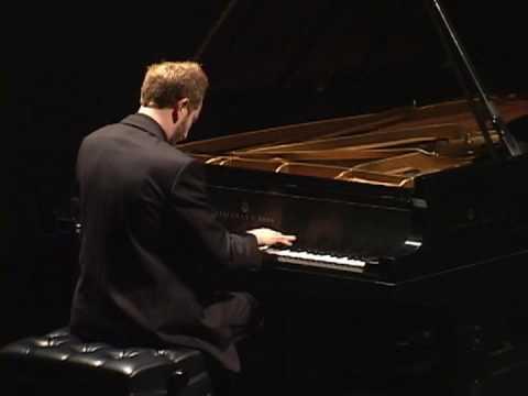 Adam Neiman plays Chopin (vaimusic.com)
