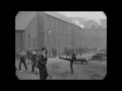 A Fight Breaks Out In The Street -1901 ( First street fight ever filmed )