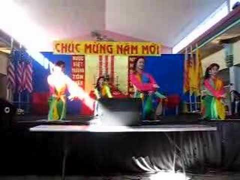 GDPT Lien-Hoa: Non Nuoc Huu Tinh (Tet fest.)