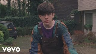 Declan McKenna - The Kids Don't Wanna Come Home (Official Video)