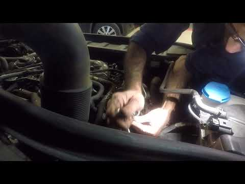 Audi Q7 3.0 tdi  how to remove diesel injector