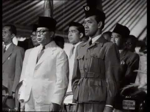 News from Indonesia: the swearing in of President Sukarno in Yogyakarta (Weeknummer 50-02)