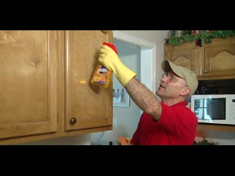how to remove grease from wood kitchen cabinets how to use a sponge to remove grease from kitchen 17331