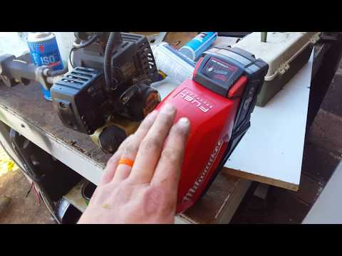 Charging  my new M18 Milwaukee line trimmer on Solar Power M18 CLT