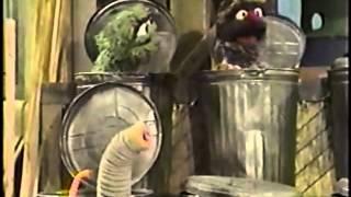 Classic Sesame Street - Ronald Grump Builds The Grump Tower