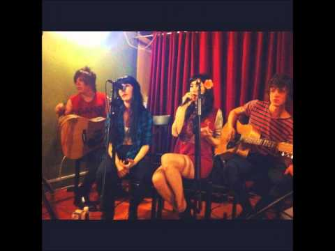 The Veronicas - Don't say goodbye (acoustic) at Brew in Brisbane
