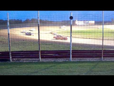 100 0764 Devils Lake Speedway 2015-10-03 Street Stock Feature part 1