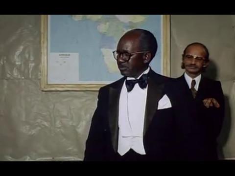 Xala (opening sequence) - Ousmane Sembène (1975)