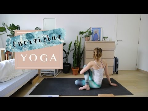 Y16 - Energizing Yoga Class for beginners to intermediate // Yoga for energy // Quick 30 minute Yoga
