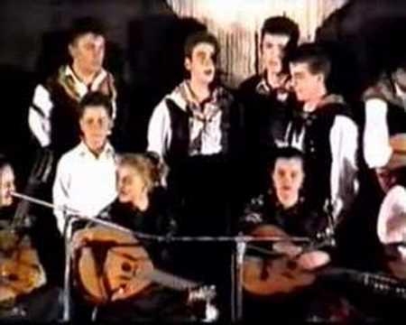 Un Año En El Folklore Piornalego Los Toros La Serrana Youtube